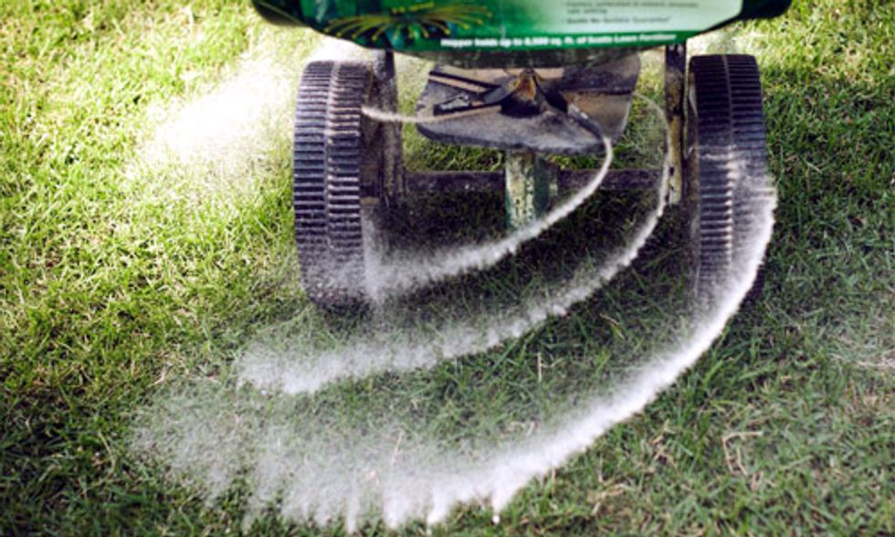 8 Disturbing Facts About Monsanto's Evil Twin—The Chemical Fertilizer Industry