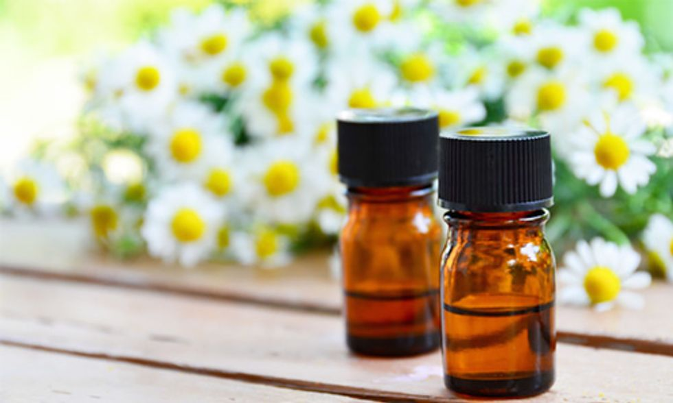5 Essential Oil Recipes for All Your Spring Cleaning
