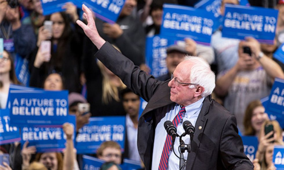 5 Reasons Why Bernie Sanders Would Be the Best Choice for the Future of the Planet