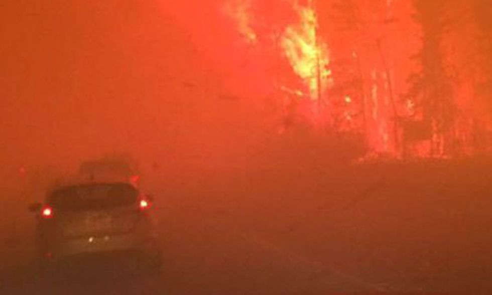 'Apocalyptic' Inferno Engulfs Canadian Tar Sands City