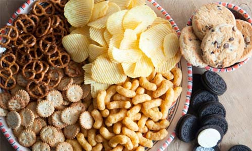 5 Ways Eating Processed Foods Messes with Your Body