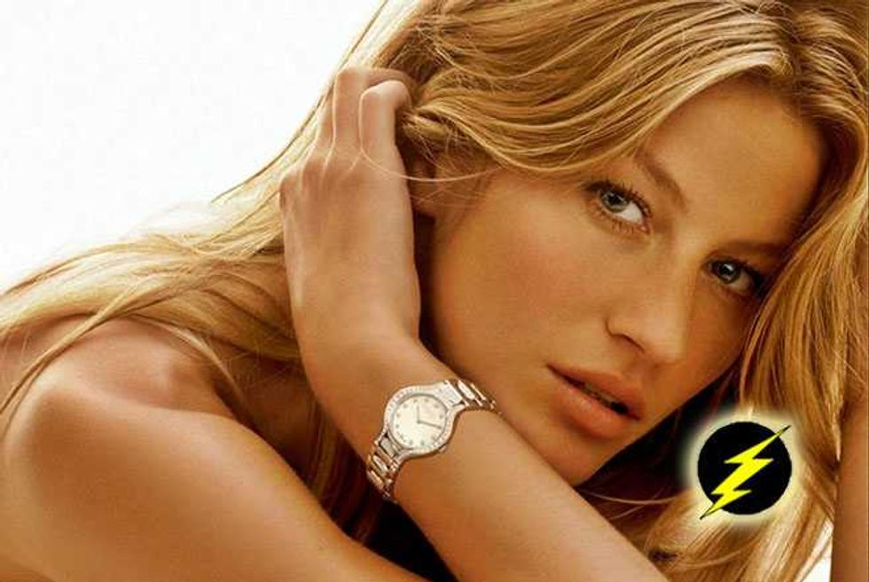 Gisele Strips Down, Gets Buck Naked For Super Sexy Vogue