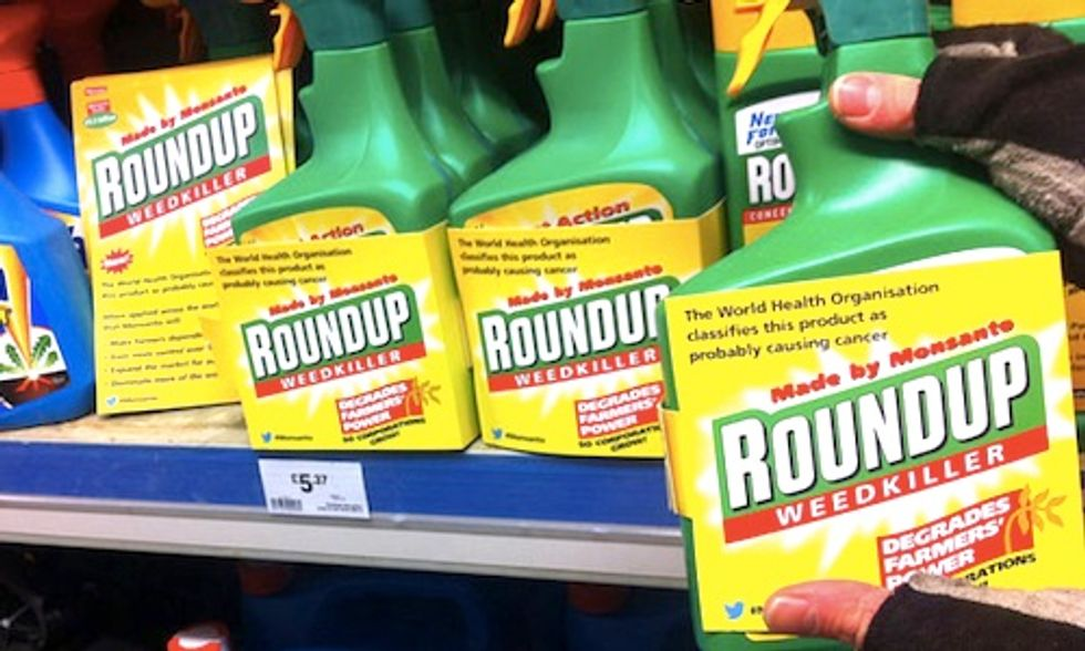 Nebraska Farmers Sue Monsanto Alleging Roundup Gave Them Cancer