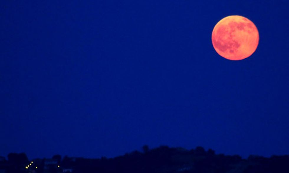 See the First Summer Solstice Full Moon in Nearly 70 Years