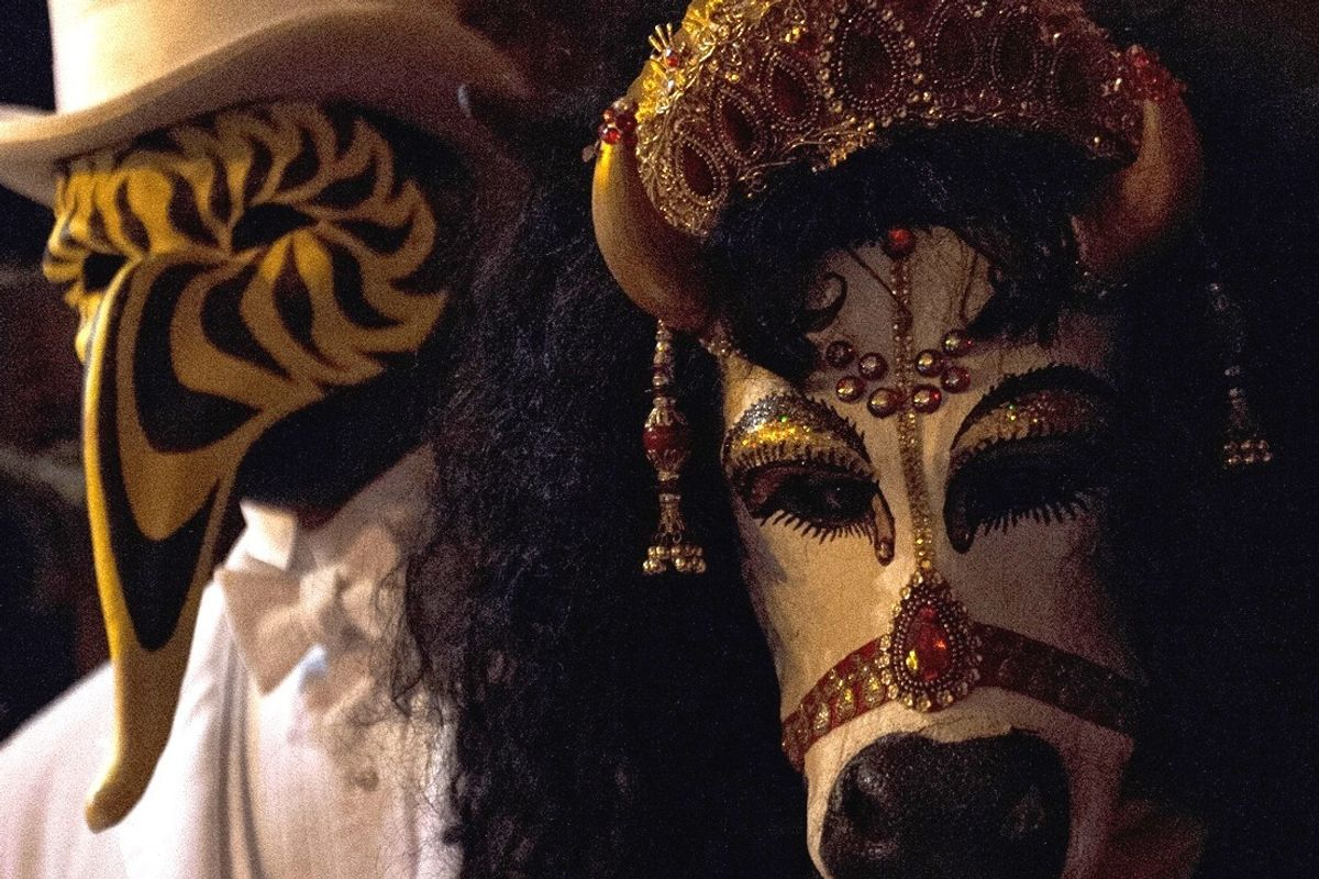"""Naked Dancing, Sacrifices and Milk Baths: Scenes From the """"Eyes Wide Shut""""-esque Illuminati Ball"""