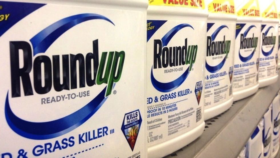 Mother-of-Three Sues Monsanto Claiming Roundup Caused Her Cancer