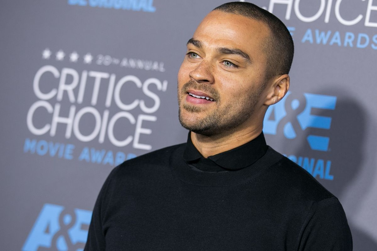 """Shonda Rhimes Shuts Down Petition To Fire Jesse Williams From """"Grey's Anatomy"""" After His BET Awards Speech"""