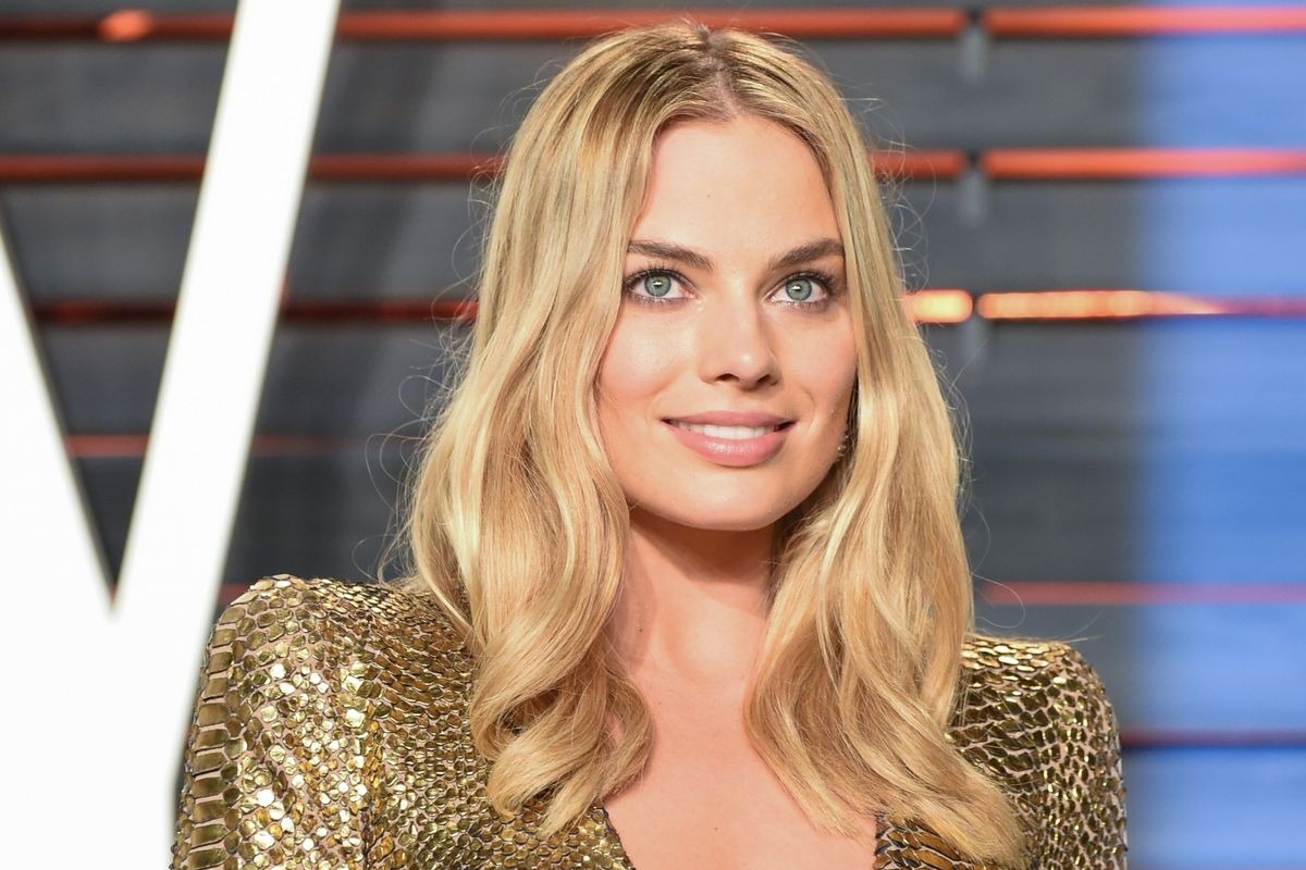 Vanity Fair Let A Very Horny Man Write Their New Margot Robbie Cover Story