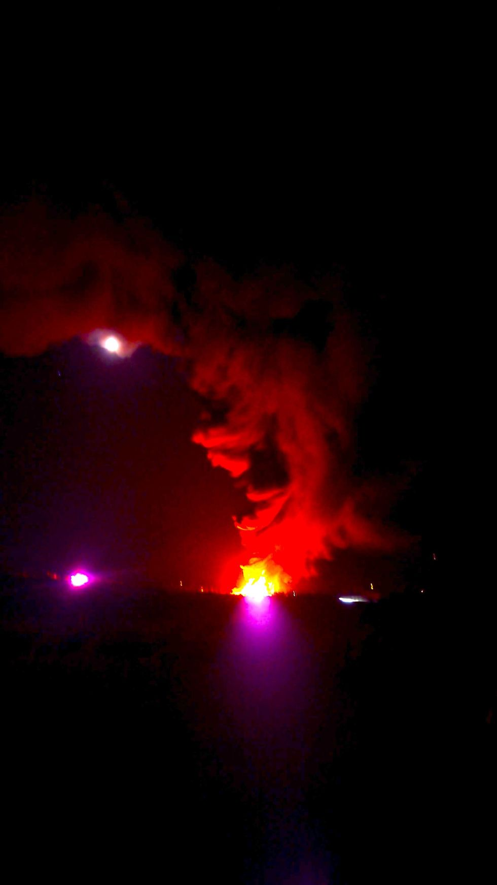 Massive Fracking Explosion in New Mexico, 36 Oil Tanks Catch Fire