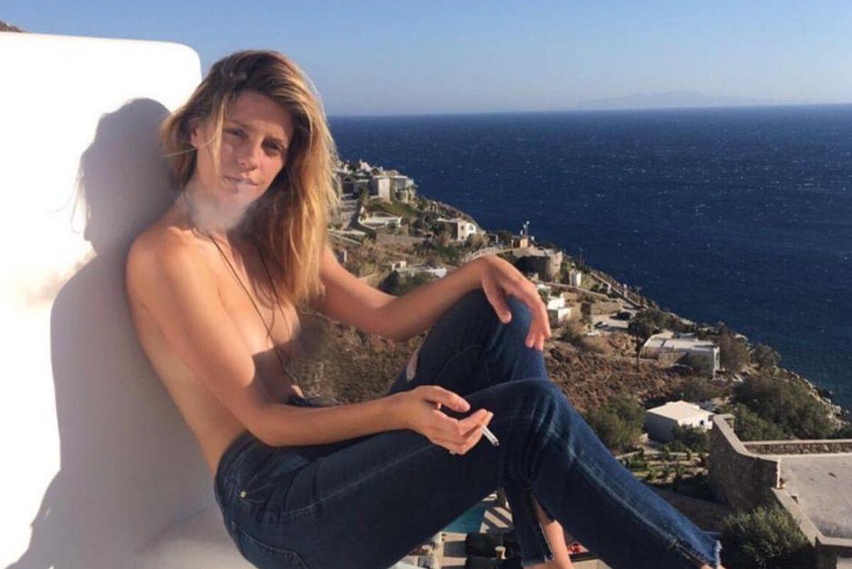 """Mischa Barton Posts Topless Instagram Photo to Capture Her """"Island Vibes"""""""