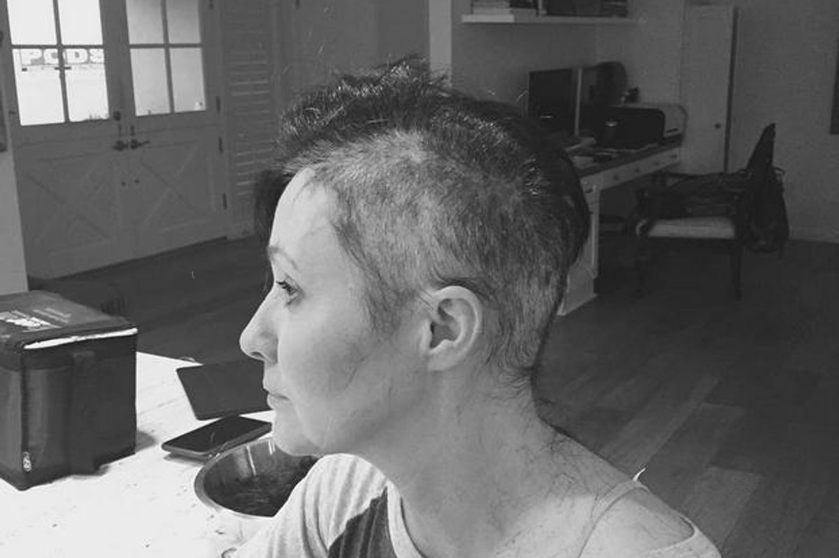 Shannen Doherty Documents Shaving Her Head For Cancer Treatment
