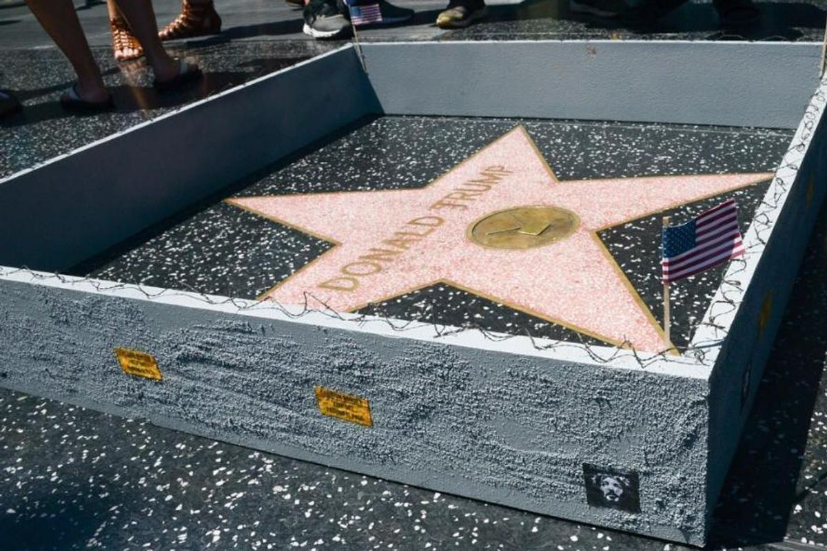 """Someone Has Built A """"Border Wall"""" Around Donald Trump's Hollywood Walk of Fame Star"""