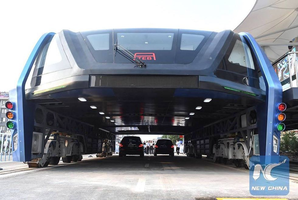 World's First Electric 'Straddling Bus' Takes Test Drive in China