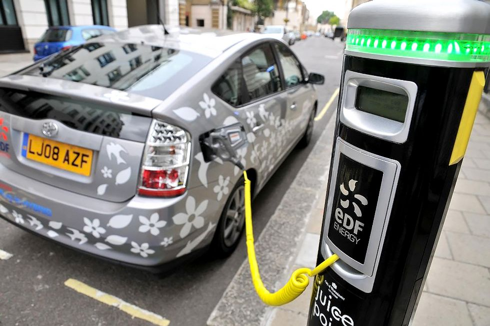 EV Stations to Overtake Gas Stations in UK by 2020
