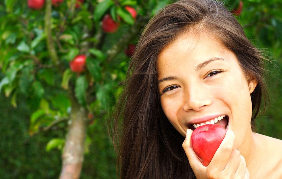 10 Anti-Aging Superfoods That Keep Your Skin Healthy