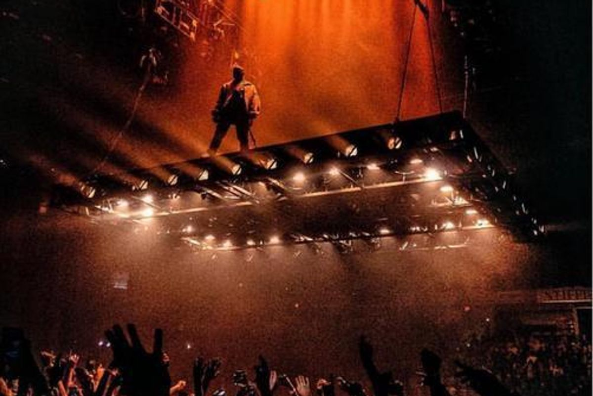 "Kanye West's ""Saint Pablo"" Tour Features A Flying Stage, Naturally"