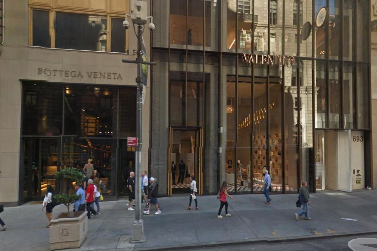 A Hijab-Wearing Muslim Woman Was Set On Fire On Fifth Avenue