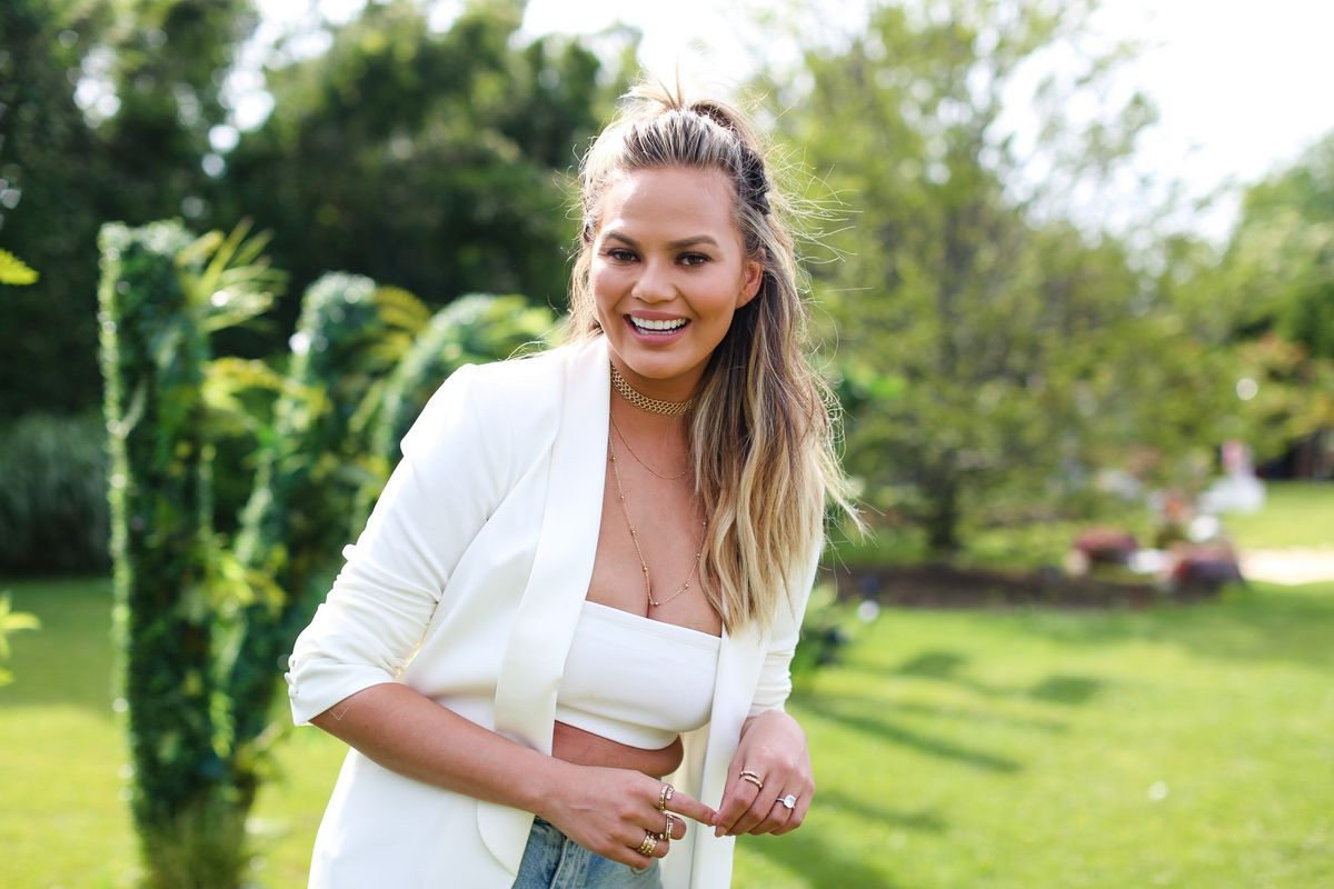 "Twitter Is Upset With Chrissy Teigen For Not Being Offended By The Term ""Oriental"""