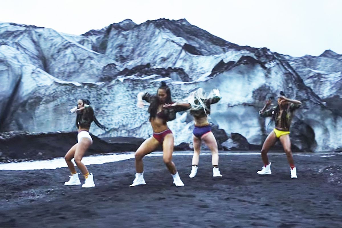 """Major Lazer And Bieber Sent Dancers To Shake It In Iceland For The""""Cold Water"""" Music Video"""