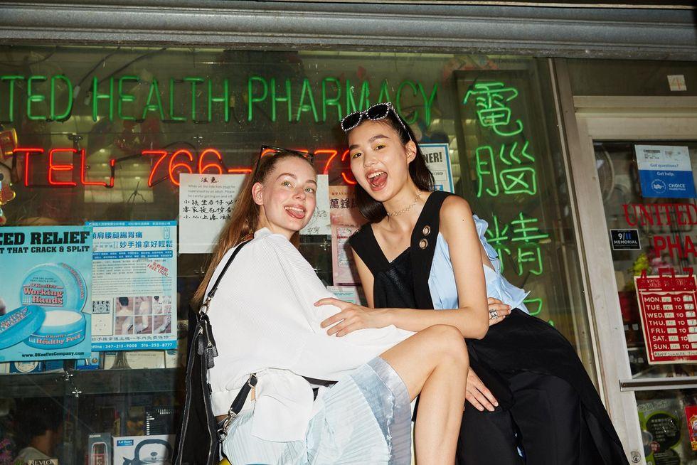 Meet Model BFFs Lauren and Estelle