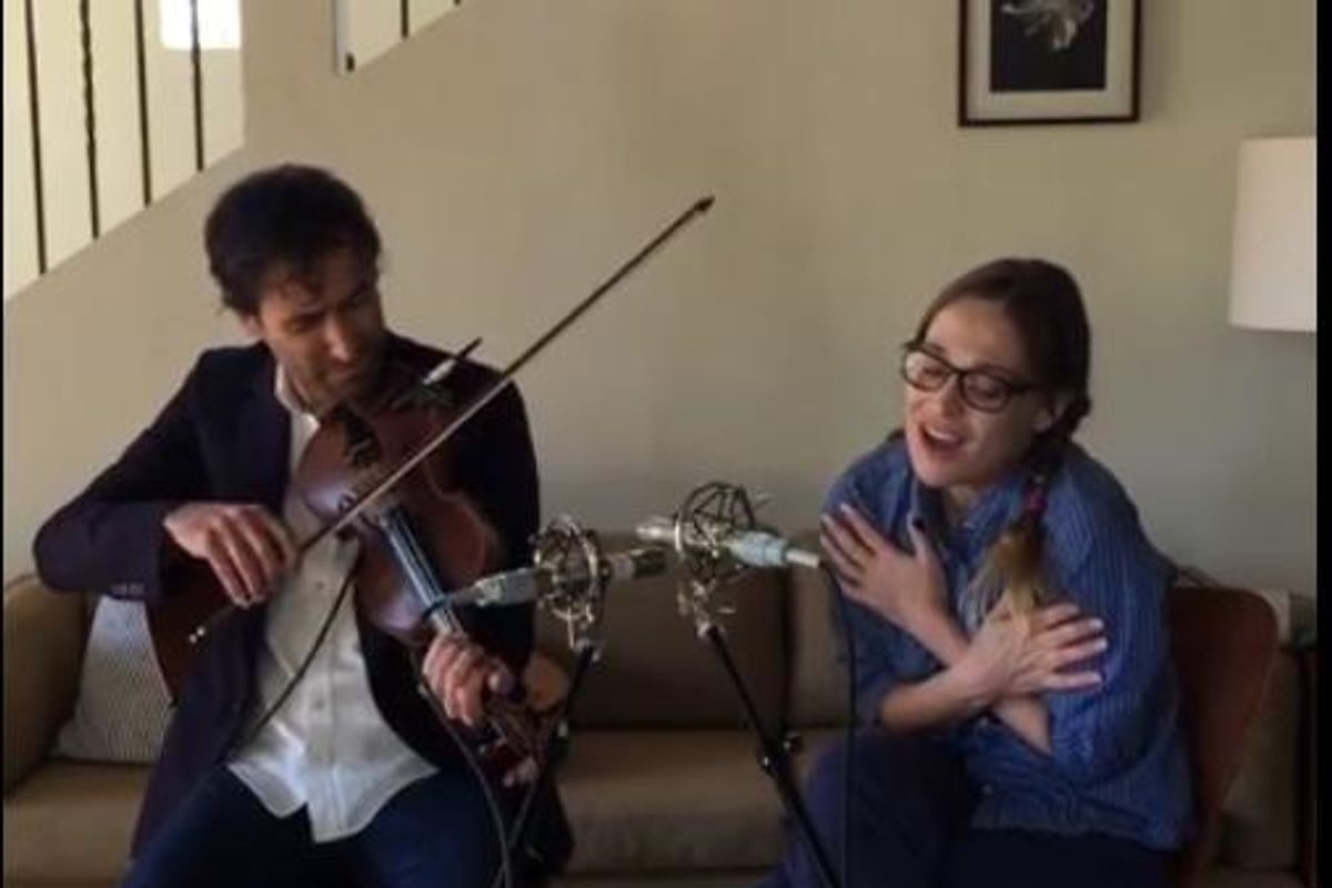 """Watch Fiona Apple And Andrew Bird Perform On """"Live From The Great Room"""""""