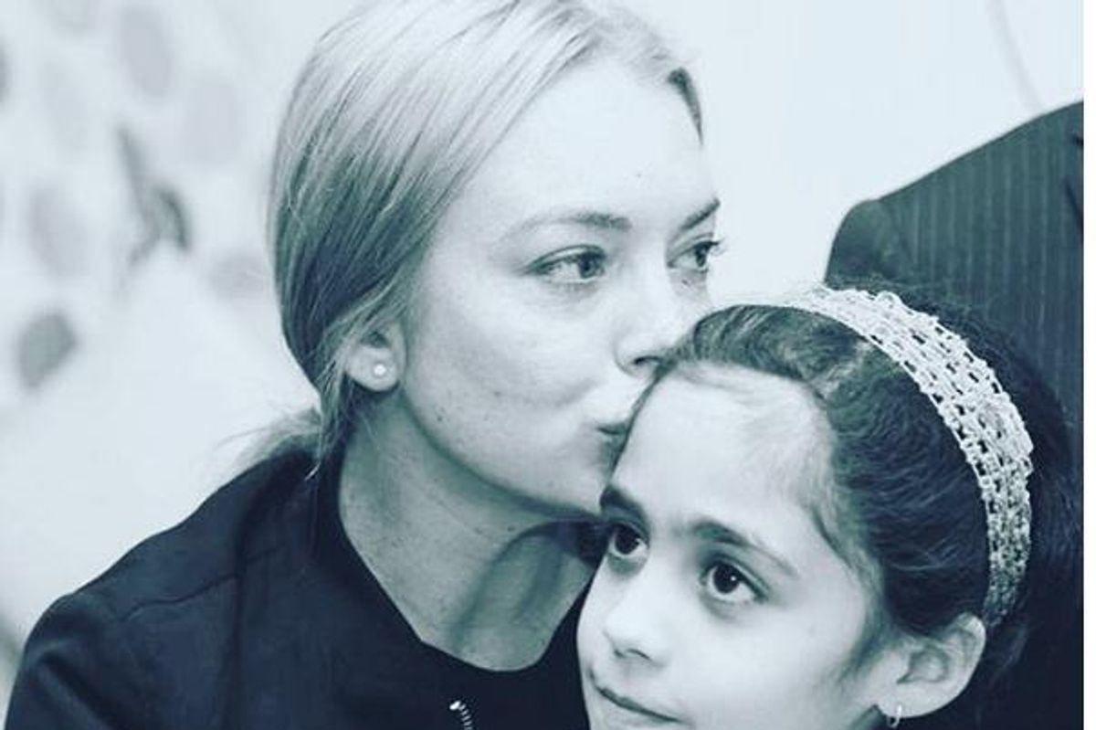 Lindsay Lohan Visited With Syrian Refugees In Turkey