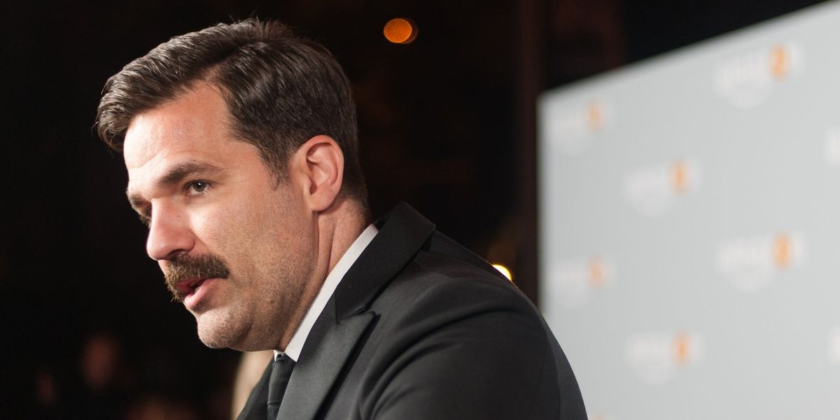 Comedian Rob Delaney Raises Over 50k To Oust Hypocritical GOP Candidates That Disavowed Trump After P*ssygate