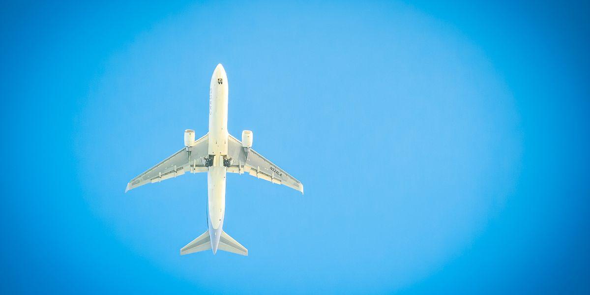 Woman Live-Tweets Her Mid-Flight Groping