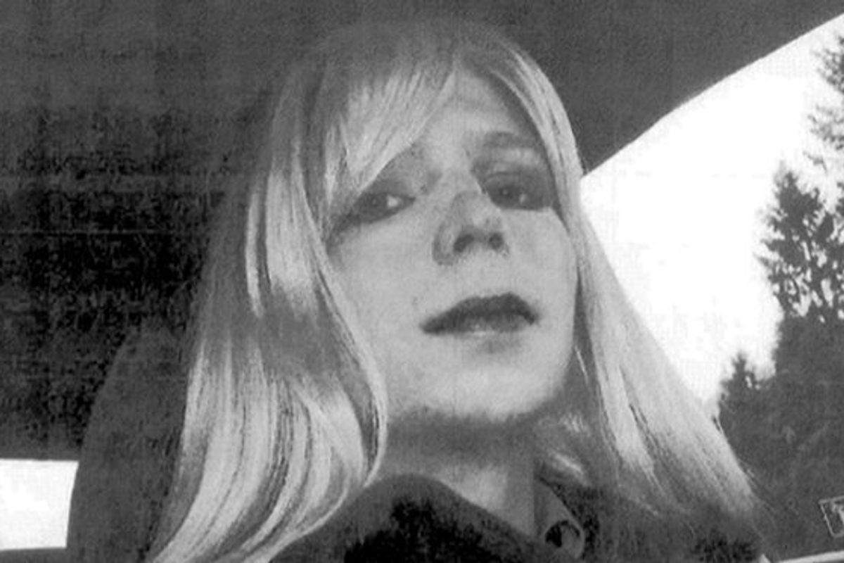 Chelsea Manning Asks Obama to Commute Her Sentence Ahead of Trump's Presidency