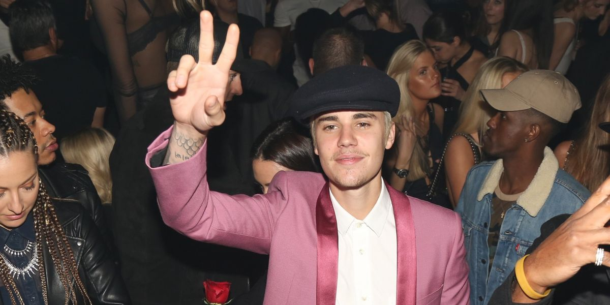 So... Justin Bieber Punched A Fan In The Face