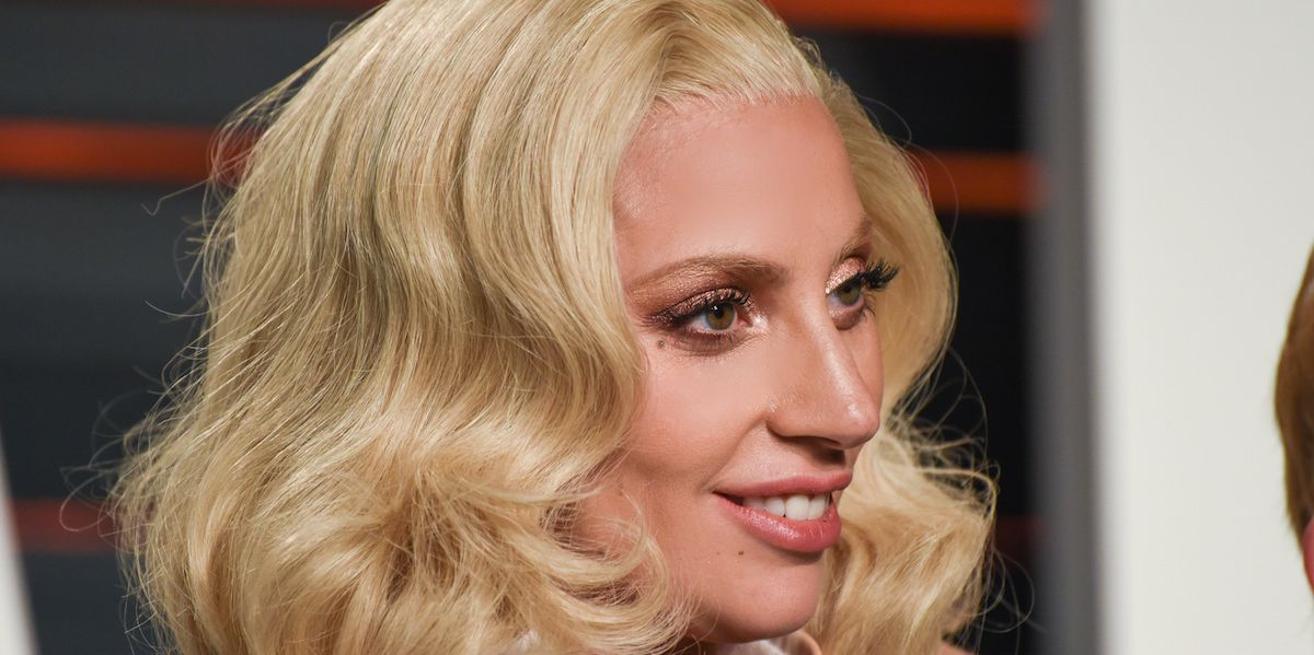 Watch Lady Gaga Perform While Volunteering For Homeless LGBT Youth