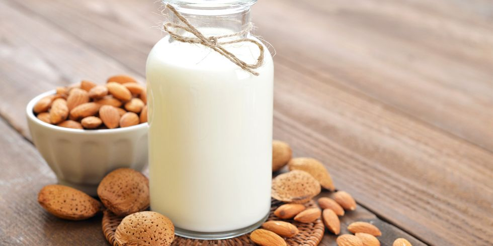 7 Health Benefits of Almond Milk