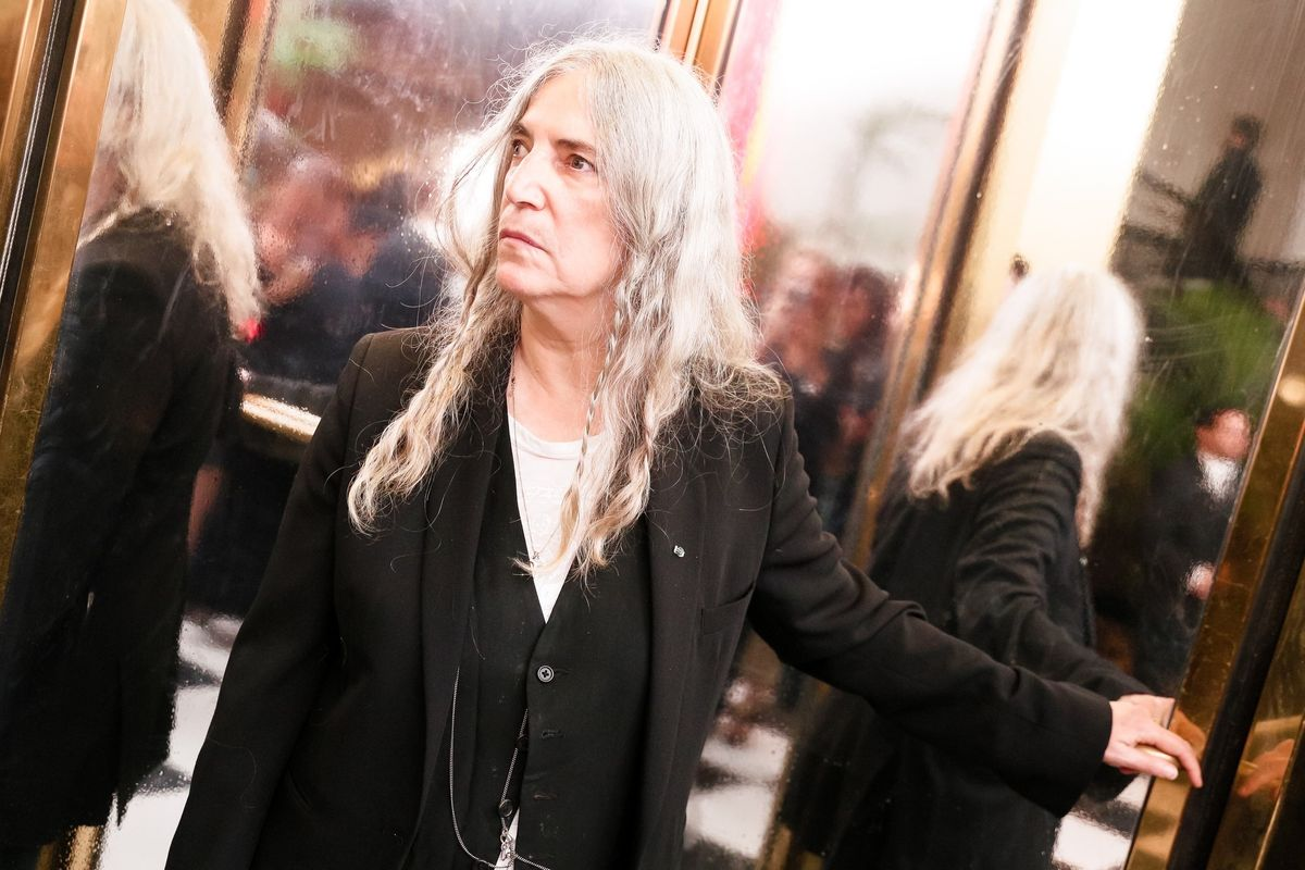 Patti Smith Accepts Bob Dylan's Nobel Prize and Forgets His Lyrics