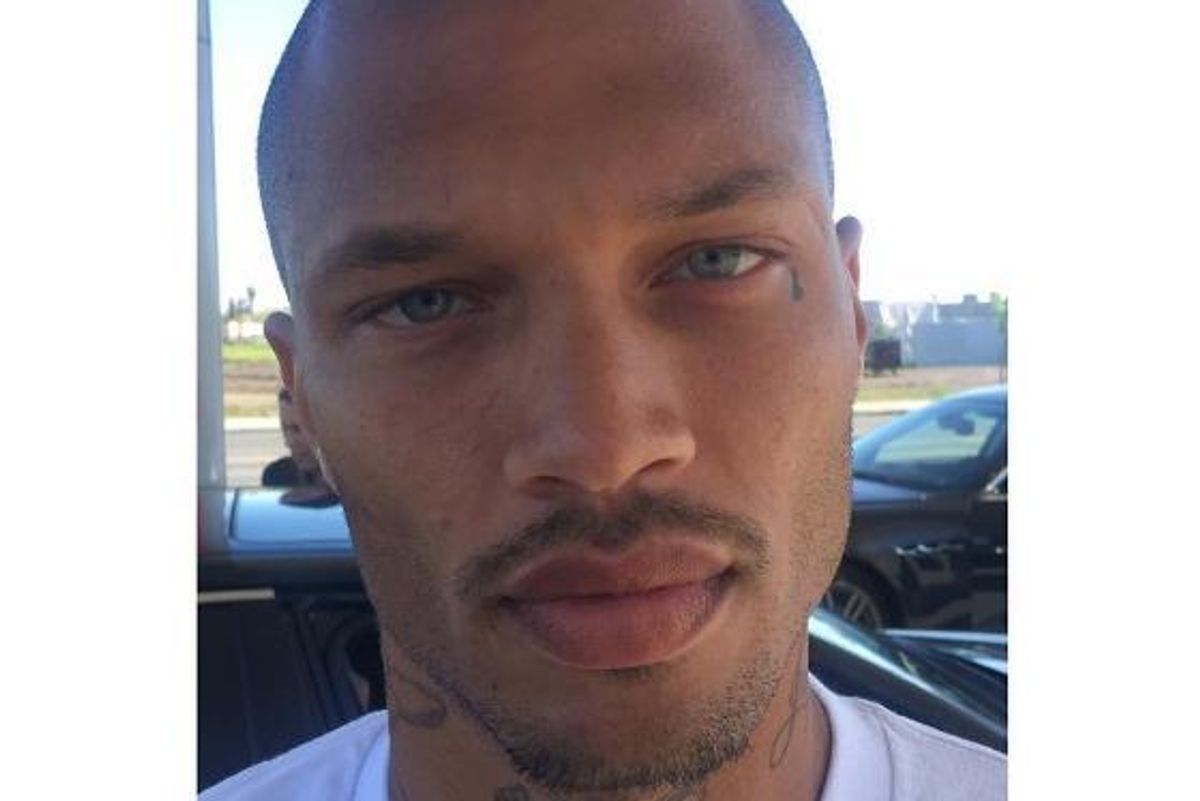 """""""Hot Felon"""" Jeremy Meeks' New Photo Is Our First Thirst Trap of 2017"""
