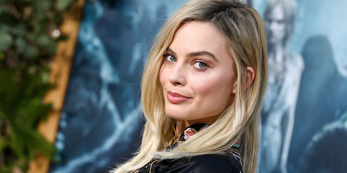 Margot Robbie Is In Ice Skating Mode To Prep For Tonya Harding Role