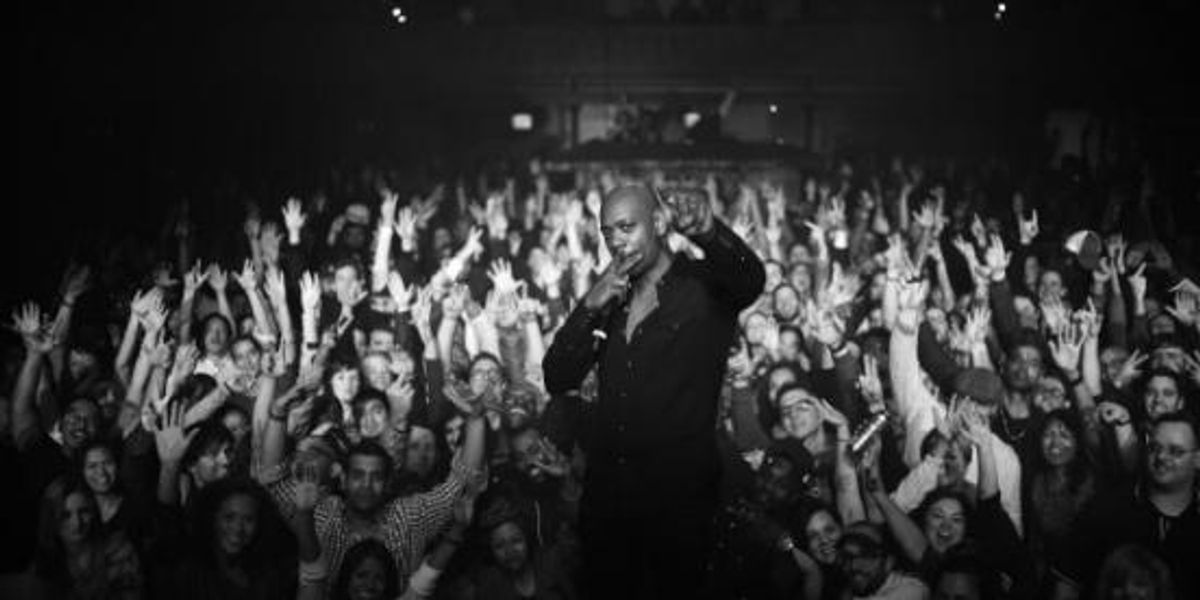 Watch Dave Chappelle Roast A Trump Supporter During A Stand-Up Set
