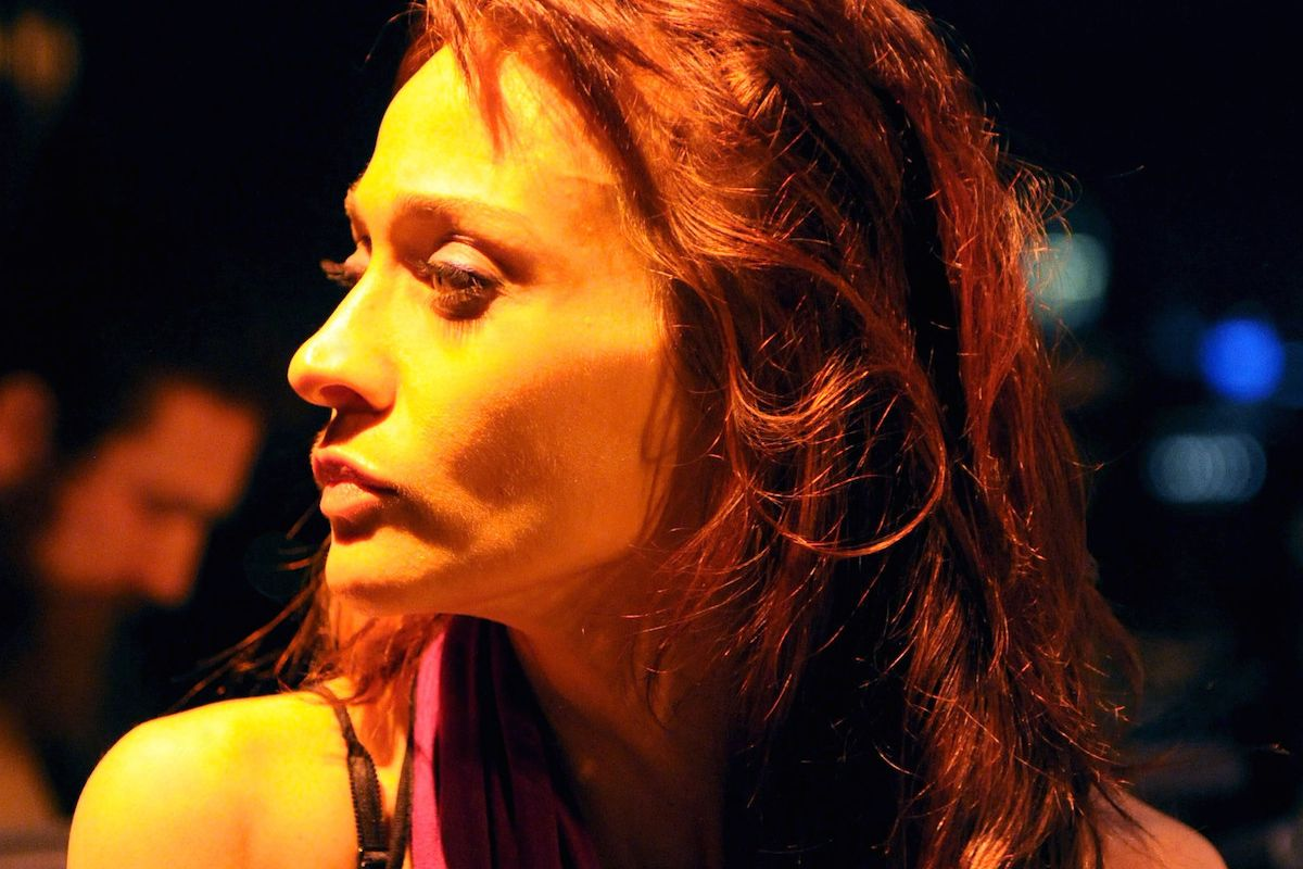 "Fiona Apple Releases Newest Anti-Trump Track ""Tiny Hands"""