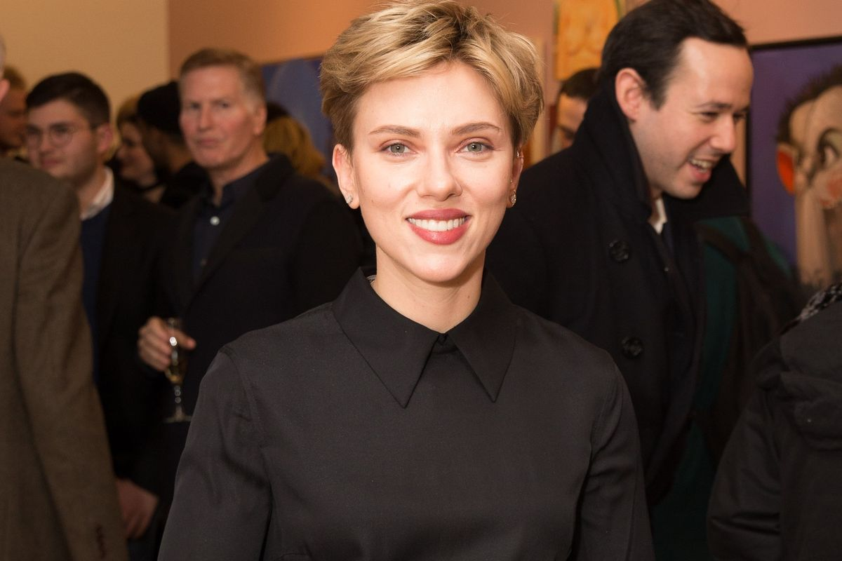 "Scarlett Johansson Addresses ""Ghost In The Shell"" Whitewashing Controversy (Kind Of)"