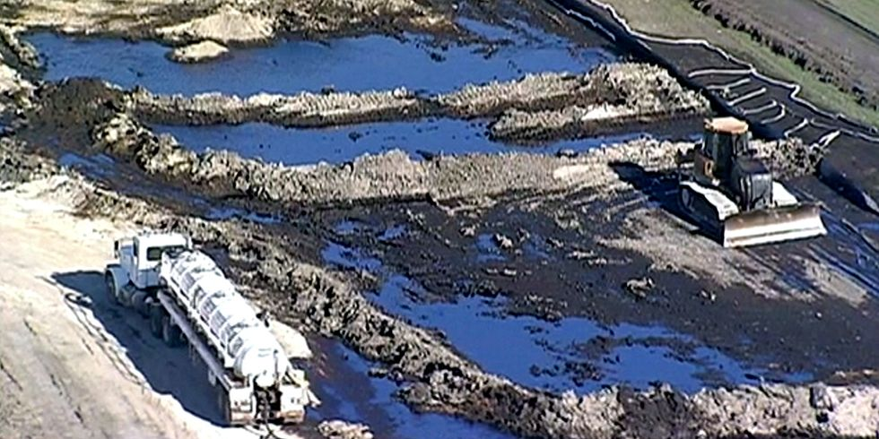 Texas Pipeline Spills 600,000 Gallons of Oil One Week Before DAPL Is Approved