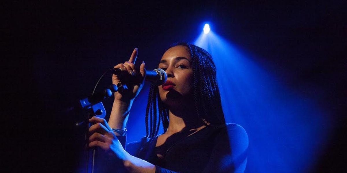 Meet Jorja Smith, the UK Songstress Being Hailed as the Heir to Amy Winehouse's Throne
