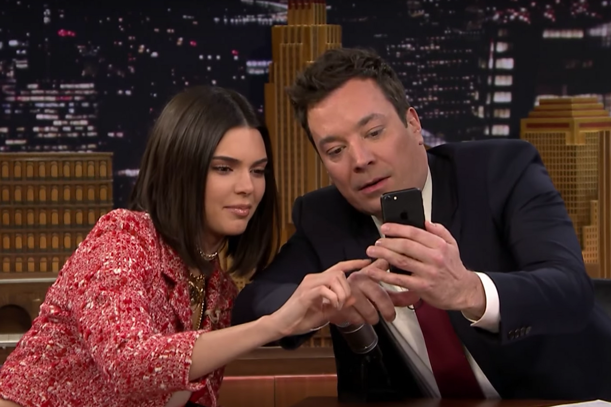 """Kendall Jenner Turns Jimmy Fallon into a Model on """"The Tonight Show"""""""