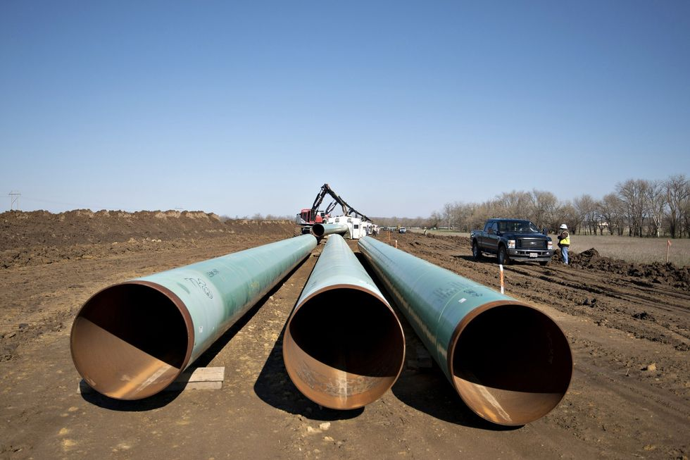 4 Pipeline Fights Intensify as Dakota Access Nears Completion