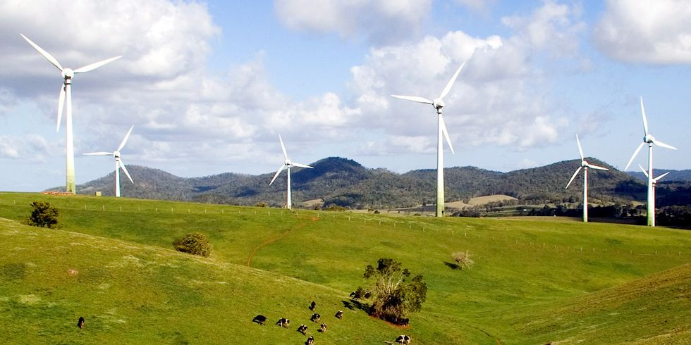 Wind Power Sets New Record: Briefly Provides Majority of Electricity for 14-State Grid