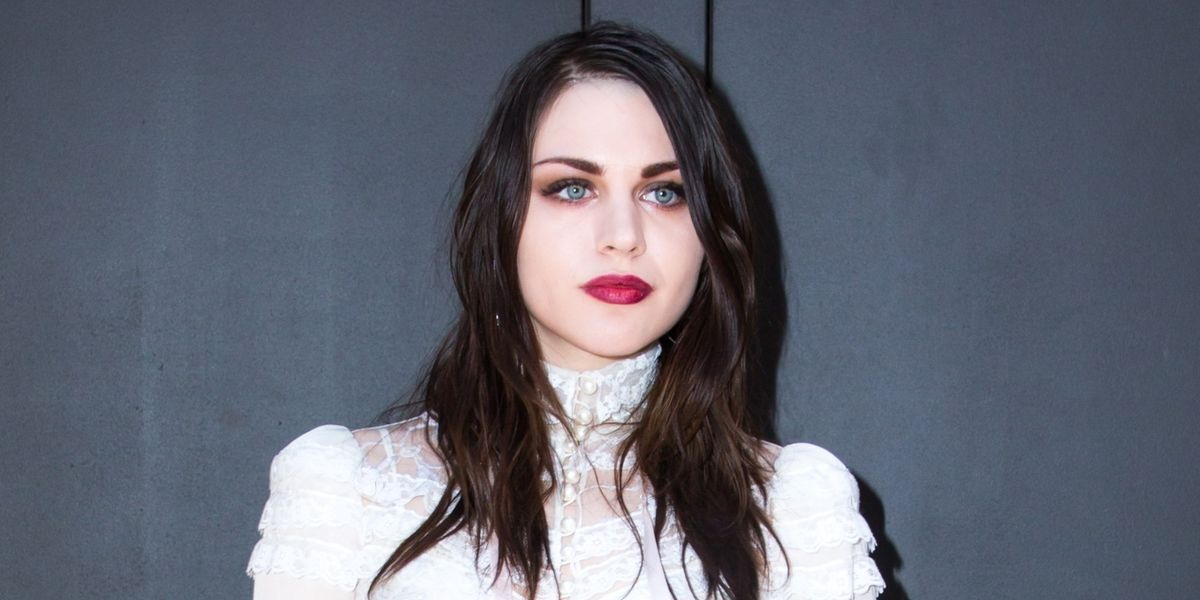 Read Frances Bean's Touching Handwritten Letter to Kurt Cobain for His 50th Birthday