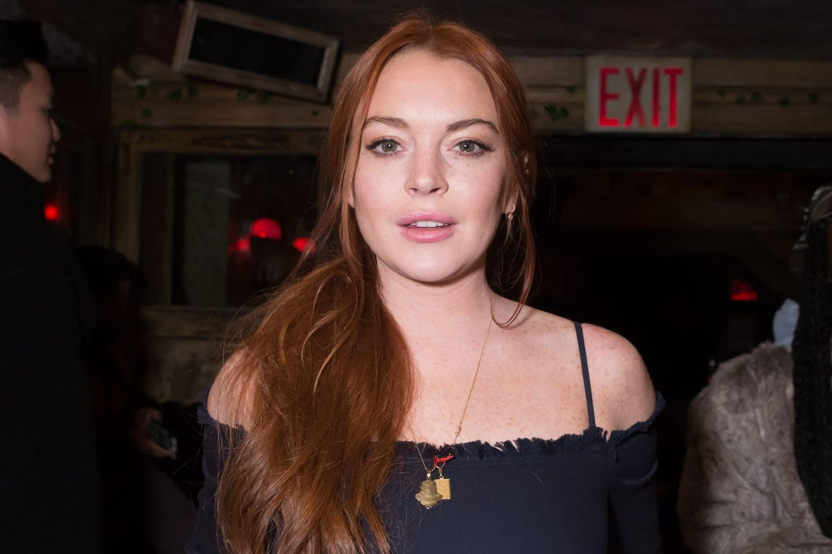 Lindsay Lohan Says She Was Racially Profiled At Heathrow Airport For Wearing A Headscarf