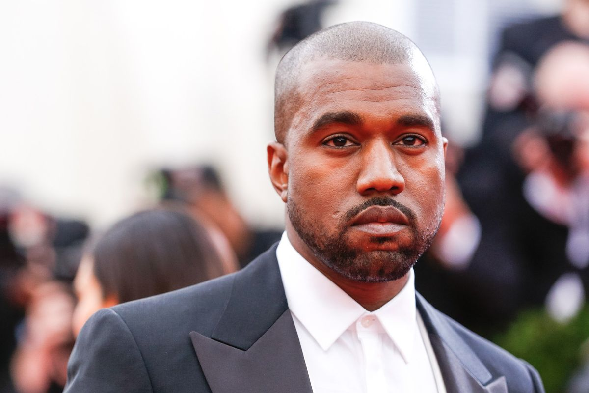 """Kanye West Drops An Epic 17-Minute Version Of """"Bed"""" From The Yeezy 5 Runway Show"""