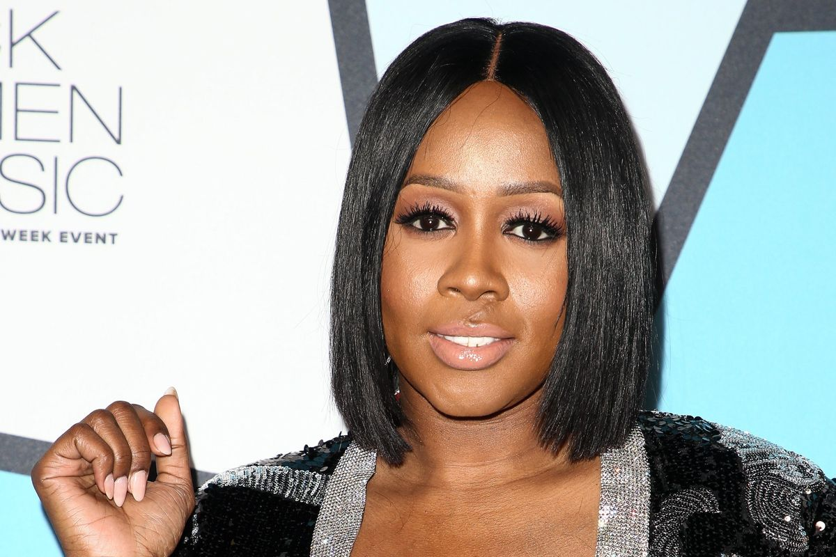 "UPDATE: Remy Ma Performs Her Diss Track ""shEther"" Live at Concert"