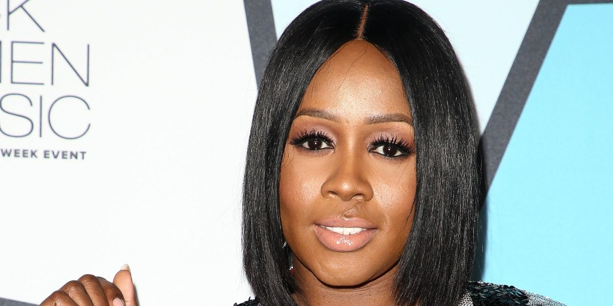 """UPDATE: Remy Ma Performs Her Diss Track """"shEther"""" Live at Concert"""