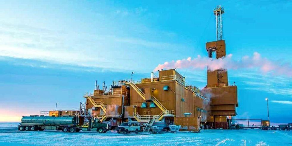 BP Arctic Oil Well Still Leaking, Too Unstable to Shut Down