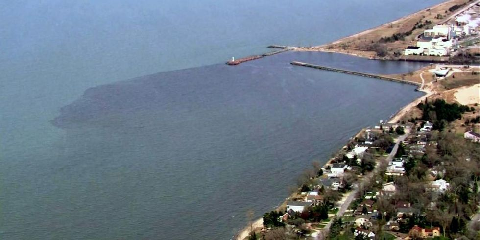 Chemical Spill Closes Four Lake Michigan Beaches